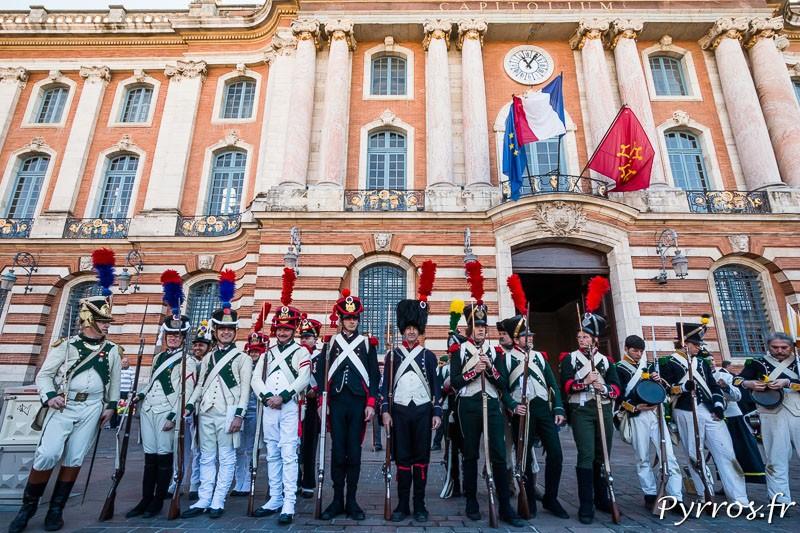 Les troupes s'installent place du Capitole