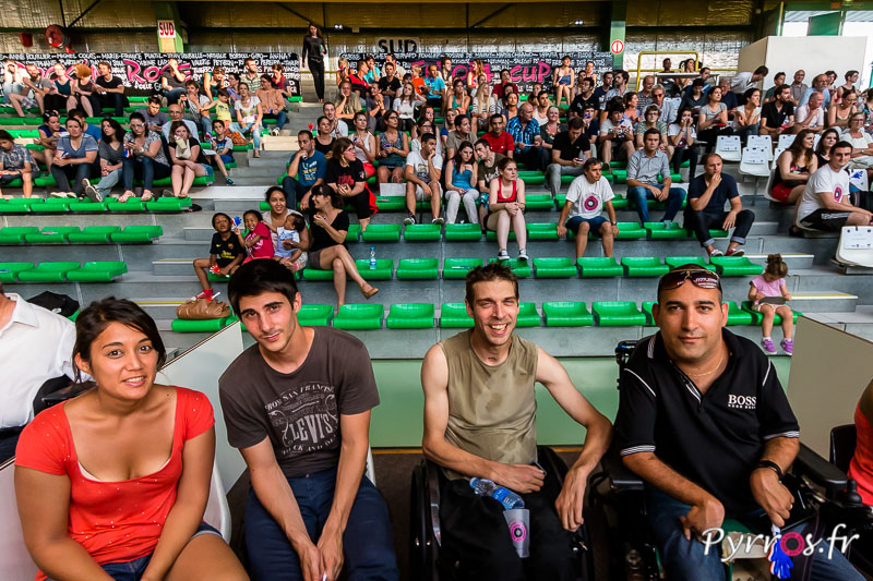 Les supporters ont le sourir malgré la chaleur