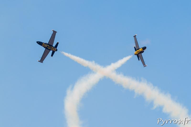 Les Breitling Jet Team effectuent une Percussion qui donne au public des frissons