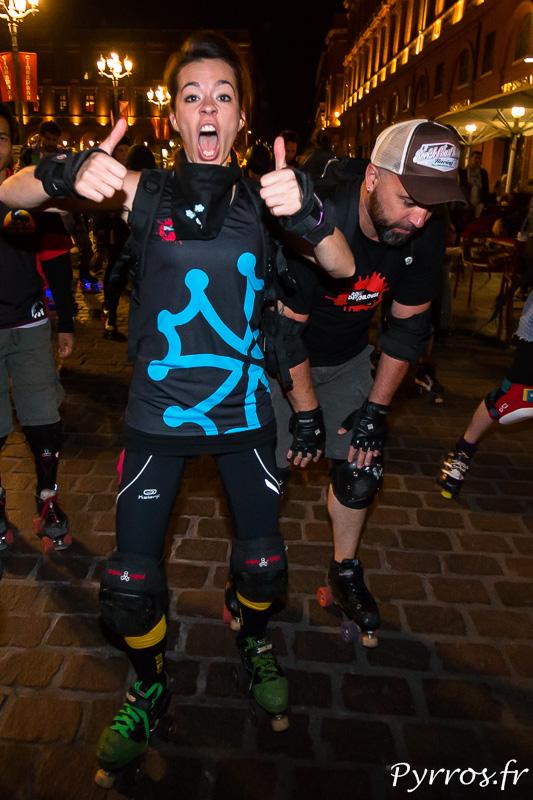 Une Joueuse de Roller Derby au départ de la randonnée des Jeux du Roller