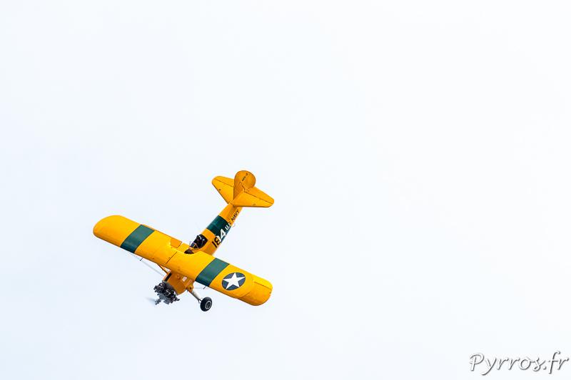 Boeing Stearman PT 18 en piqué