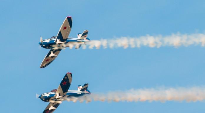 Passage des Captens en formation à 250km/h dans le ciel de Francazal