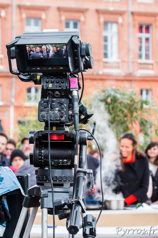 Une des nombreuses caméras filme la cuisine de Vincent Ferniot