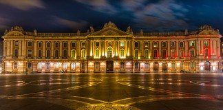 Le Capitole est illuminé aux couleurs de la Belgique