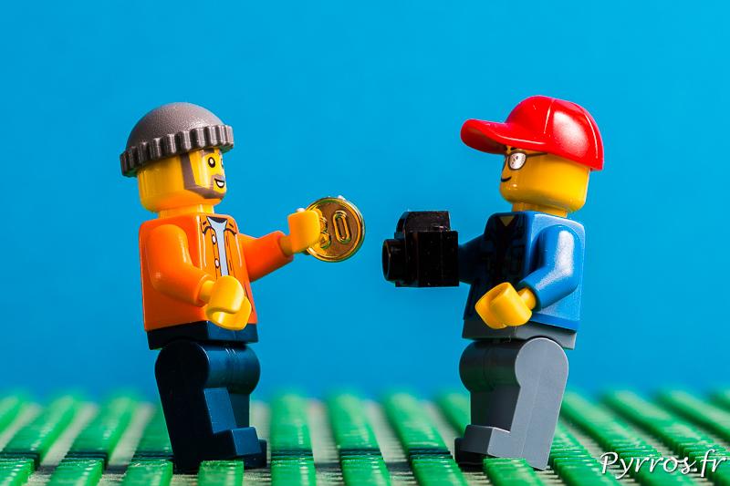 Le photographe doit acheter son matériel, remplacer ou réparer le matériel défaillant