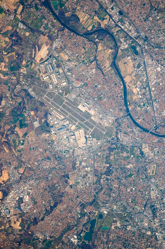 Thomas Pesquet photographie l'aéroport de Toulouse Blagnac depuis la Station Spatiale Internationale