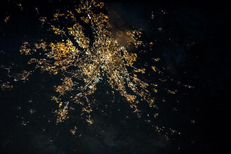 L'agglomération Toulousaine photographiée de nuit depuis l'ISS (Photo : Thomas Pesquet sous réserve)