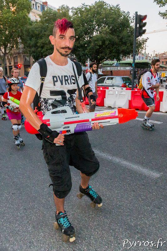 Le choix de l'arme ne dépend pas de la taille lors de la randonnée roller pistolets à eau