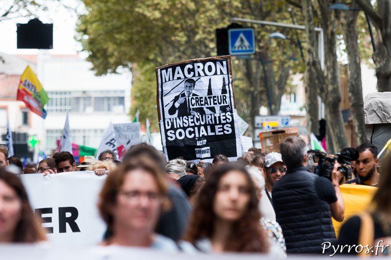 Macron est la cible des manifestants