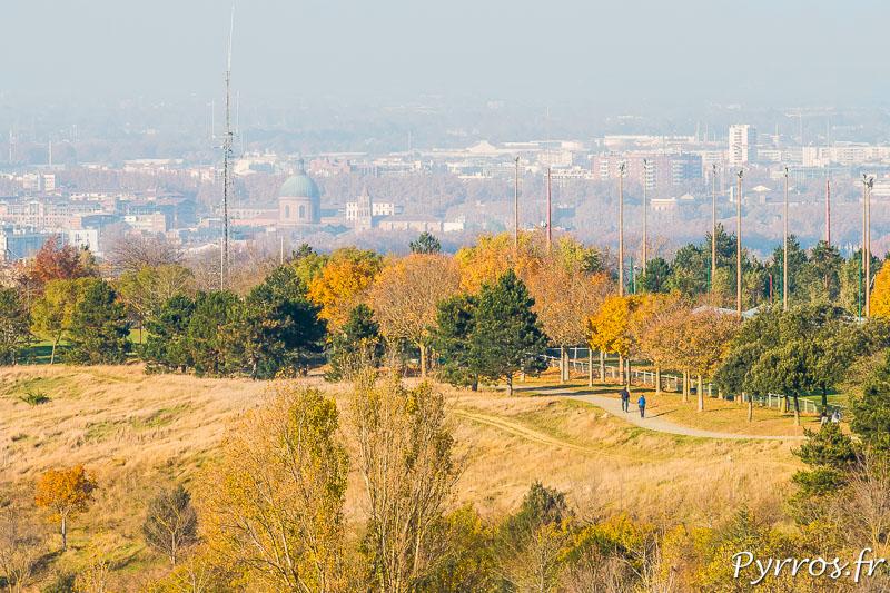 Pollution de l'air à Toulouse, le centre ville et notamment le Dome de La Grave sont plongés dans les brumes chargées de particules