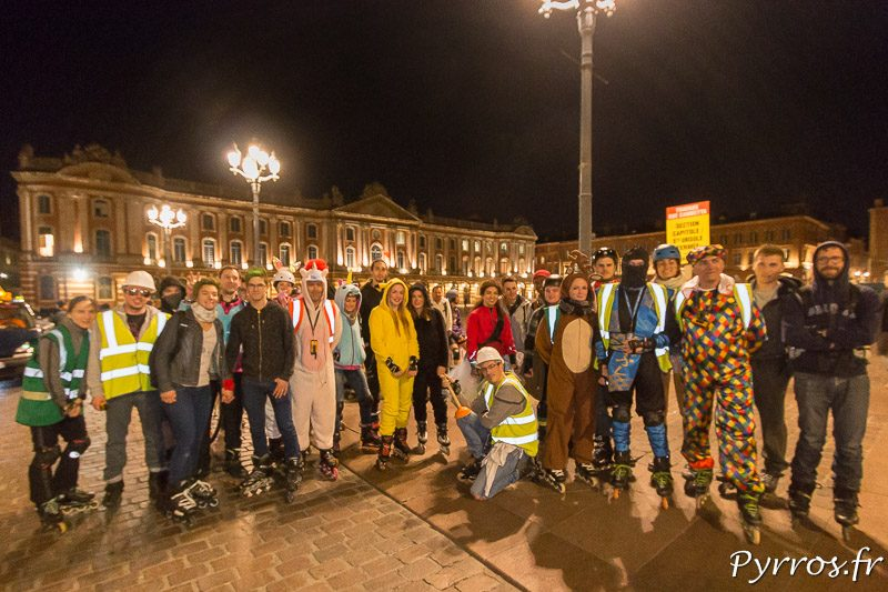 46 patineurs étaient au départ du Capitole pour la randonnée Carnaval proposée par RoulezRose