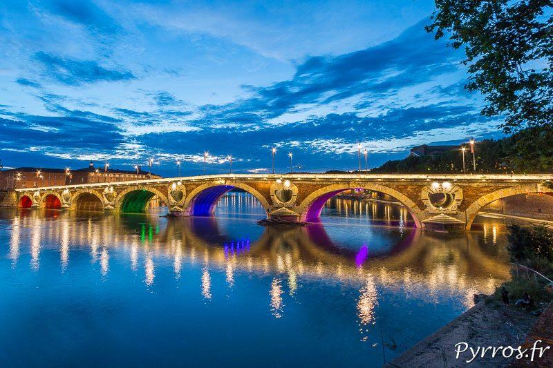 Le pont neuf aux couleurs arc en ciel (rainbow flag)