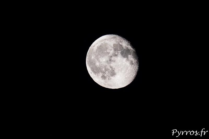 la lune décroit au fil des jours jusqu'à la prochaine nouvelle lune