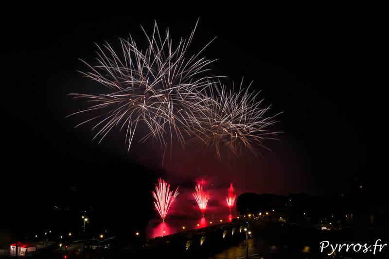 Les feu d'artifice du 14juillet 2018 à Toulouse pris depuis un toit terrasse