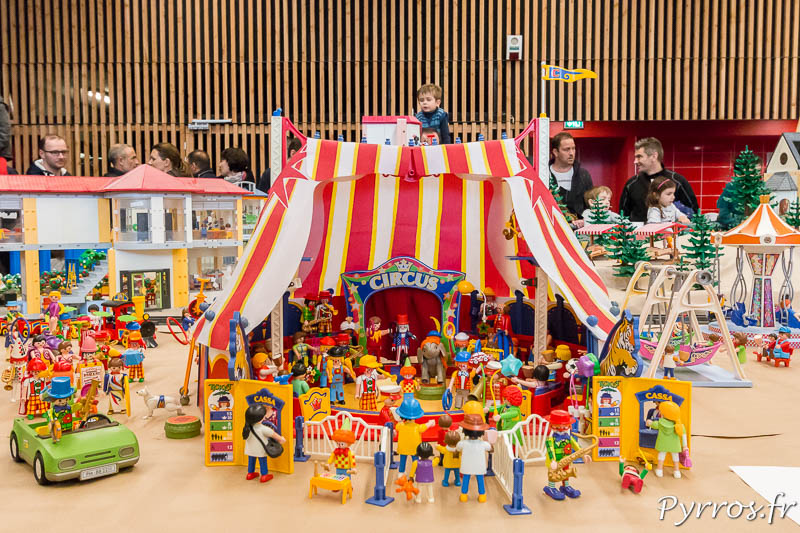 Diorama playmobil du Cirque dans la ville
