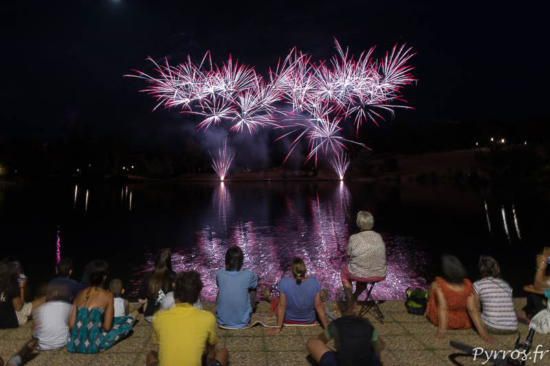 Feu d'artifice sur le lac de la Reynerie