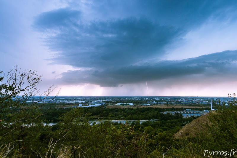 Un premier orage passe à l'Est et au Nord de Toulouse