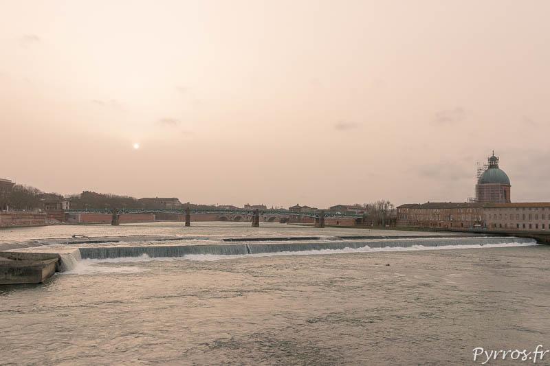 Le ciel de Toulouse est coloré par la brume de sable du Sahara
